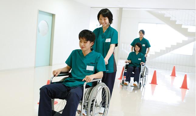 大阪の高校でトップクラスの介護福祉士国家試験合格実績